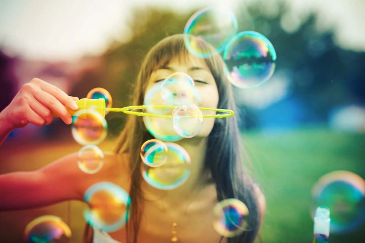 girl-bubbles